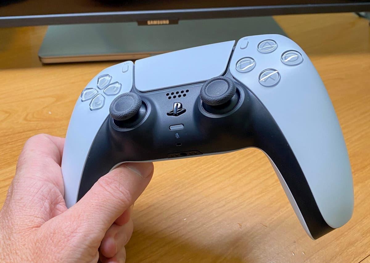 Todo lo que necesitas saber sobre el DualSense, el mando de PS5