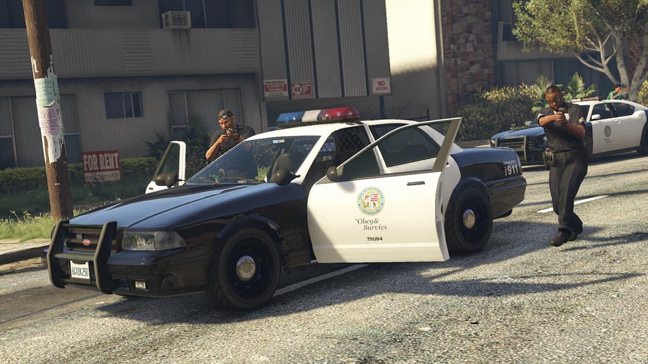 ¿De dónde salen los policías de GTA V? ¡Por fin se descubre el secreto!